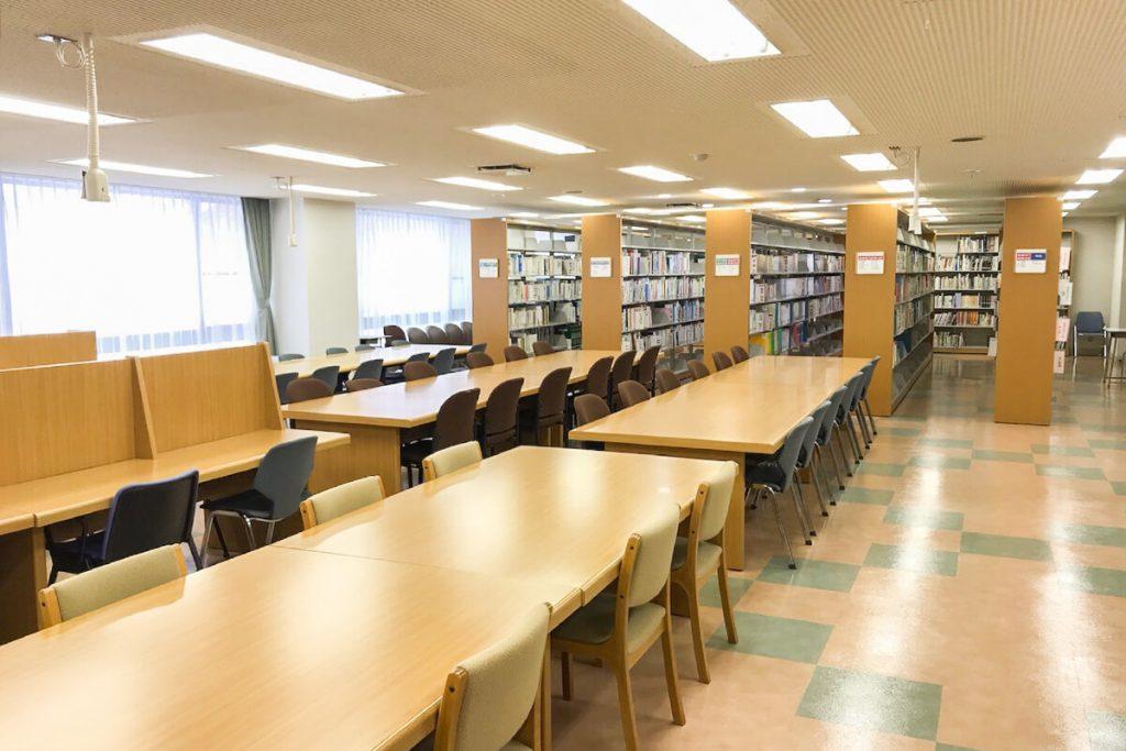 日本医療大学附属図書館